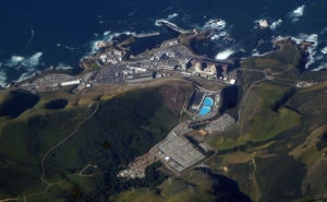 Figure 16: Diablo Canyon Is the only operating nuclear power station remaining in California. Source: Diablo Canyon Power Plant Seen From Above. By Doc Searls from Santa Barbara, USA (2007_04_24_sba-sfo-lhr_048.JPG) [CC BY-SA 2.0 (http://creativecommons.org/licenses/by-sa/2.0)], via Wikimedia Commons.
